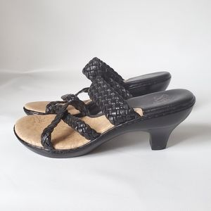 Sofft Leather Cushioned Strappy Slip On Sandals